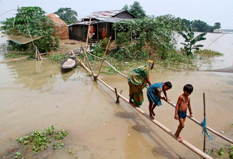 तस्वीरों के जरिये देखें 'बिहार' में बाढ़ का कहर