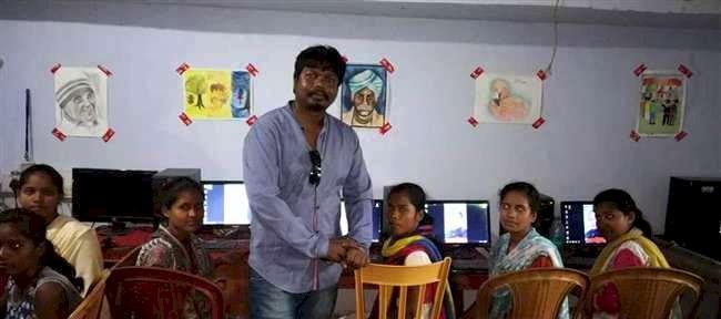 दृढ संकल्प के बदौलत 'संजय कच्छप' गरीब बच्चों के लिए कर रहे कुछ विशेष काम
