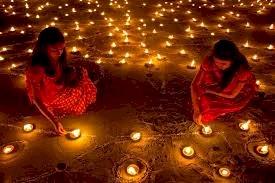 दीपावली के पावन पर्व पर माँ लक्ष्मी को प्रसन्न करने के लिए  घर में कब, कहां और कितने दीपक करें प्रज्वलित?