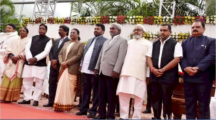 झारखंड में मैट्रिक पास जगरनाथ महतो बनाए गए शिक्षा मंत्री,वित्त मंत्रालय संभालेंगे रामेश्वर उरांव, सत्यानंद भोक्ता को मिला श्रम मंत्रालय