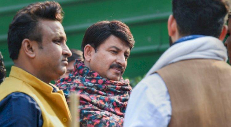 दिल्ली के प्रदेश अध्यक्ष मनोज तिवारी ने अरविंद केजरीवाल को दी जीत की बधाई, कहा-चुनाव में हार की करेंगे समीक्षा