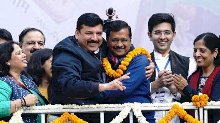 16 फरवरी को तीसरी बार मुख्यमंत्री पद की शपथ लेंगे AAP संयोजक अरविंद केजरीवाल,रामलीला मैदान में होगा शपथ ग्रहण समारोह,नए कैबिनेट पर भी चर्चा शुरू