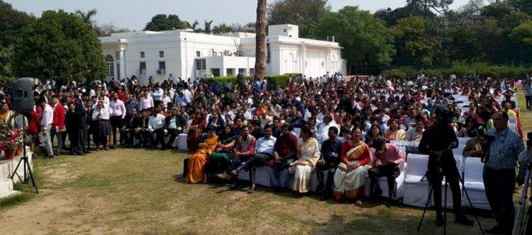 हिंदुस्तानी भाषा अकादमी और इंदिरा गांधी राष्ट्रीय कला केंद्र का सराहनीय कदम,3500 मेधावी छात्रों और 350 शिक्षकों को किया सम्मानित,The India Plus News ने निभाई मीडिया पार्टनर की भूमिका