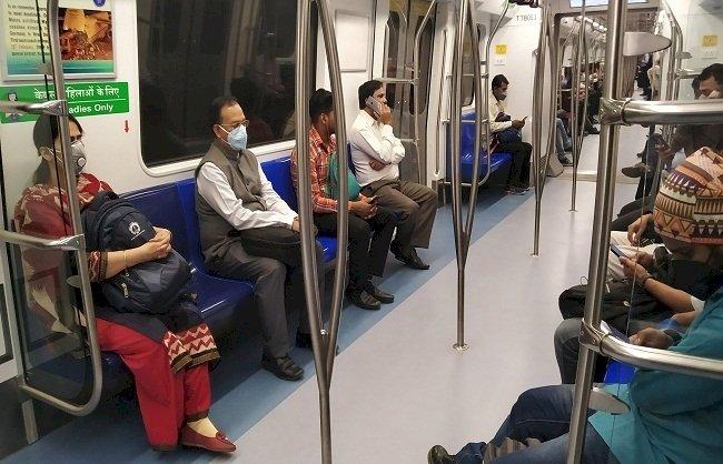 कोरोना का कहर : रात 12 बजे से थम जाएंगे ट्रेनों के पहिये, दिल्ली के सभी बाजार तीन दिनों तक रहेंगे बंद, 280 के पार पहुंची कोरोना पीड़ितों की संख्या